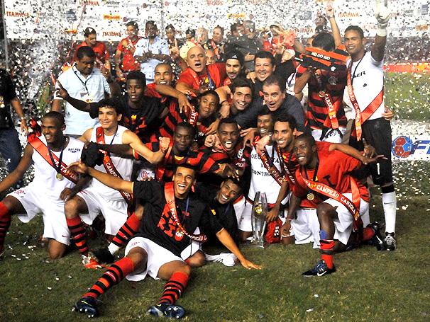 Comemoração do Tricampeonato Estadual do Flamengo, vencida nos pênaltis, em 2009.