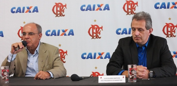 luiz-eduardo-baptista-d-o-bap-vice-de-marketing-do-flamengo-concede-entrevista-ao-lado-do-presidente-eduardo-bandeira-de-mello-e-1368045851121_615x300