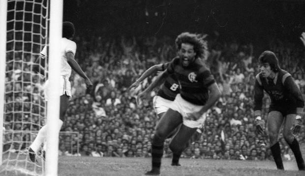 Em 1976, o Clássico dos Milhões com maior público: quase 175 mil pessoas viram Flamengo 3 x 1 Vasco.