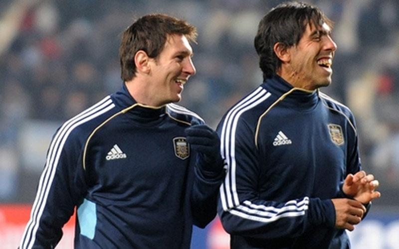 A dupla decidirá a Liga dos Campeões e atuará junta, pela seleção, na Copa América (Foto: Reprodução/AFA)