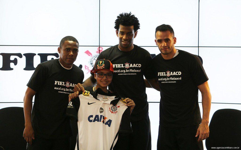 O trio Elias, Gil e Renato Augusto, que com Cássio, virará um quarteto na Seleção Brasileira (Foto: Divulgação).