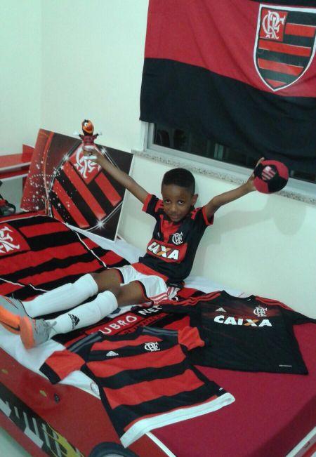 O pequeno Rubro-Negro Anderson Ribeiro.