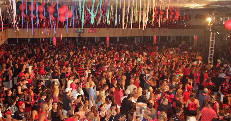 Baile do Vermelho e Preto, na Gávea. (Foto: Helio Motta/UOL)