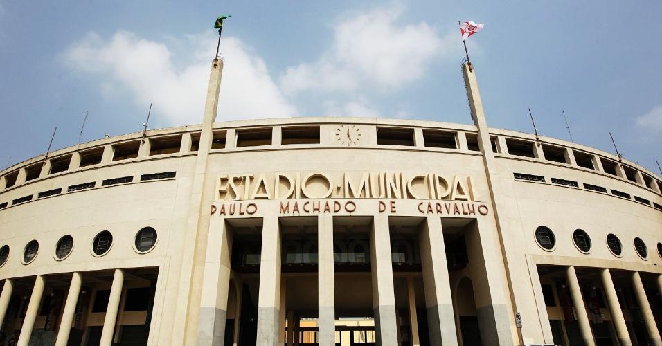 palmeiras-inaugurou-o-estadio-do-pacaembu-com-uma-vitoria-em-cima-do-coritiba-em-1940-1416342932352_956x500