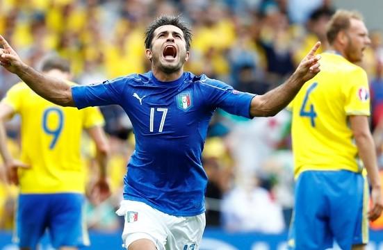 """O """"brasileiro"""" Eder fez o gol da vitória da Azurra (REUTERS/ Vincent Kessler)"""