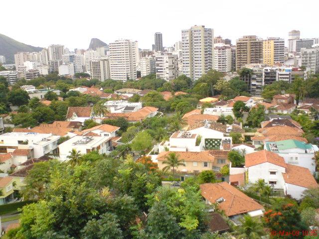 Jardim Pernambuco, no Leblon.